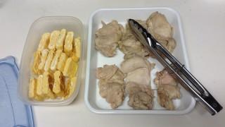 厚焼き玉子と蒸し鶏