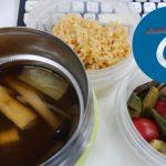 動画「具だくさん味噌汁とぬか漬けのお弁当」