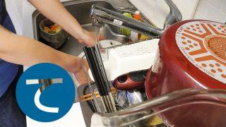 動画「雑談しながら皿洗いを楽しむ」