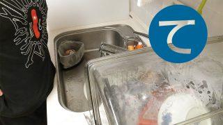 動画「深夜の気晴らし皿洗い」