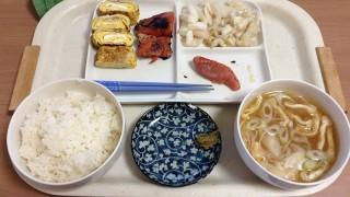 鮭と漬け物の朝ごはん