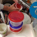 動画「帰宅後深夜の皿洗い」