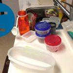 動画「二日酔いを反省しながら皿洗い」