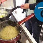 動画「野暮用をしてから野菜ラーメンを作る」
